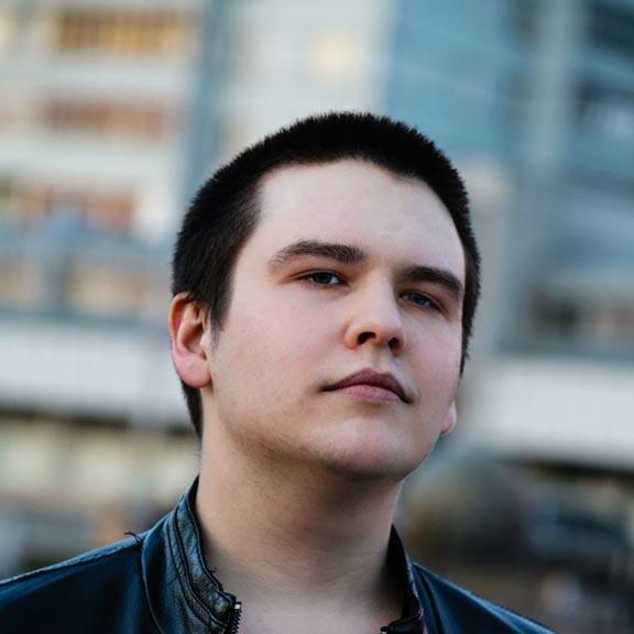 Роман Матвиенко - Старший backend-разработчик команды ZDM-auto